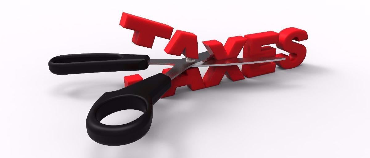 tax cut Shutterstock/Solcan Design