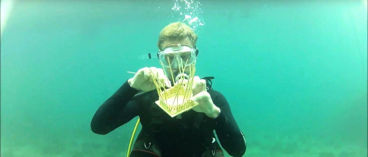 underwater basket weavng YouTube screenshot/TheMstrpat
