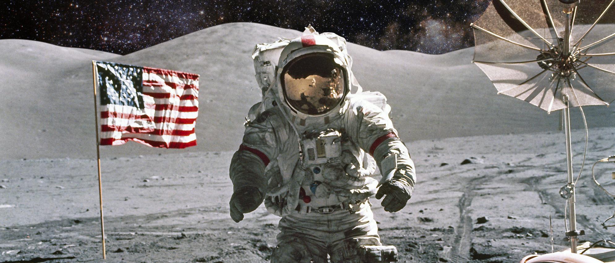 Astronaut on lunar (moon) landing mission. (Shutterstock/Castleski)