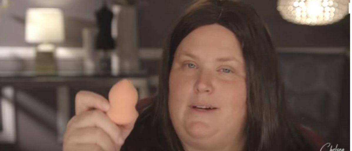 Chelsea Handler creates a Sarah Huckabee Sanders makeup tutorial (screenshot via YouTube)