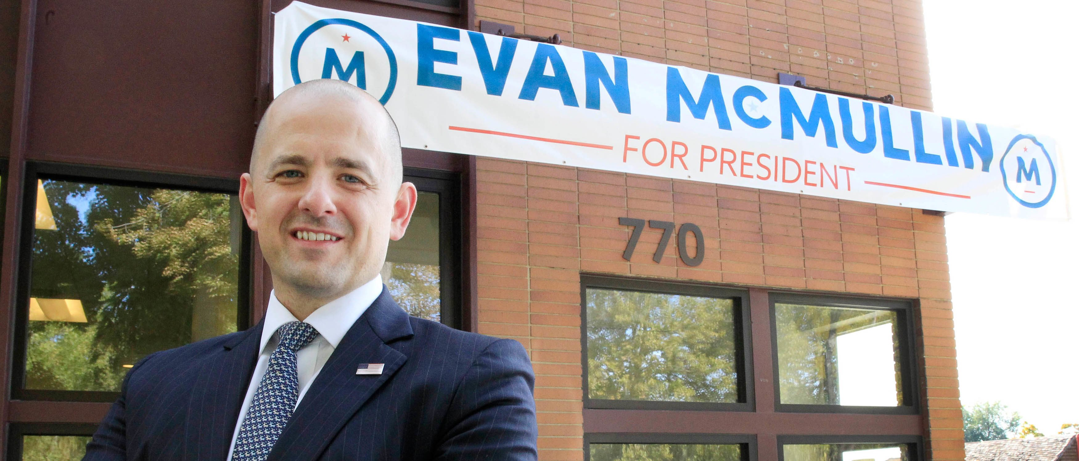 Third party candidate Evan McMullin, an independent, poses for a picture outside his campaign offices in Salt Lake City, Utah, October 12, 2016.  REUTERS/George Frey