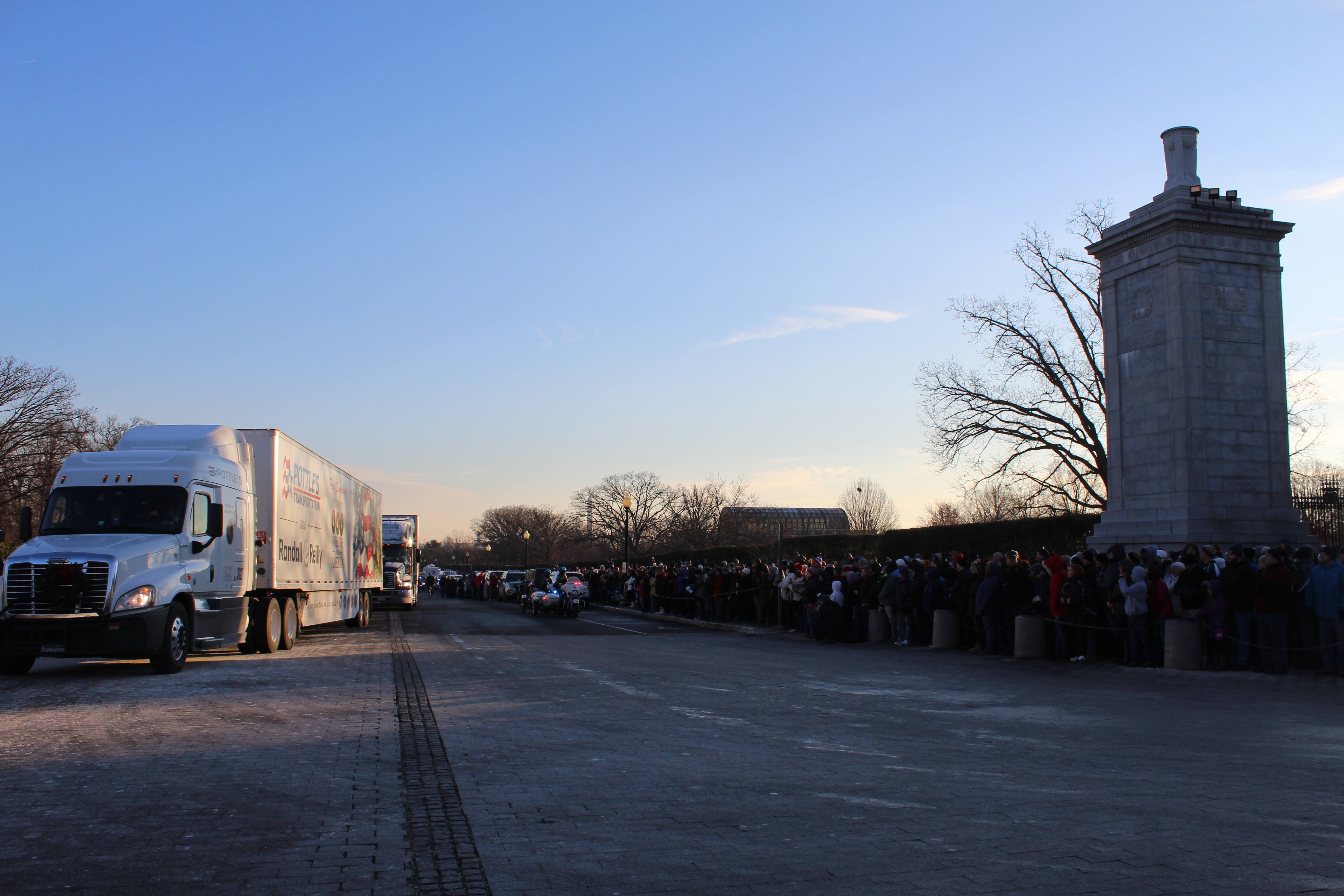 Trucks Bring In Wreaths For Wreaths Across America (Julia Nista/The Daily Caller)