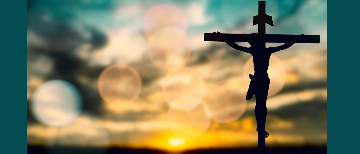 Jesus Christ crucifixion Shutterstock/Golfmhee