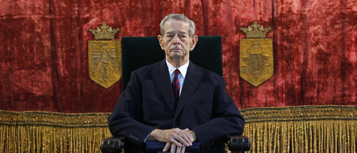 Romania's former king Michael attends a ceremony at Elisabeta palace in Bucharest October 25, 2012. Romania renamed a square in central Bucharest after its former king Michael to honour his 91st birthday on Thursday, 65 years after Soviet-backed communists forced him to abdicate. Although a return to monarchy is not on the public agenda in the European Union member state, Romanian politicians are divided in their attitude towards Michael, one of the last surviving World War Two-era heads of state. REUTERS/Bogdan Cristel