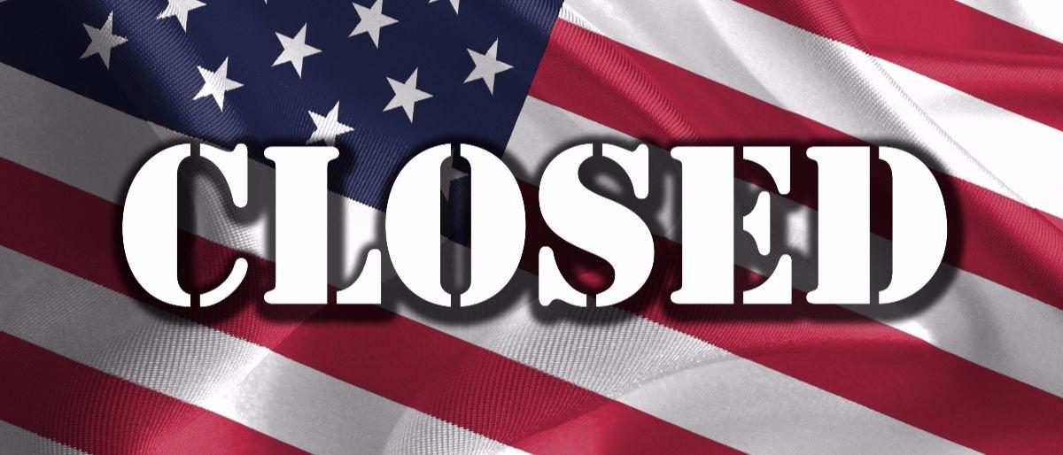 closed with flag Shutterstock/e X p o s e