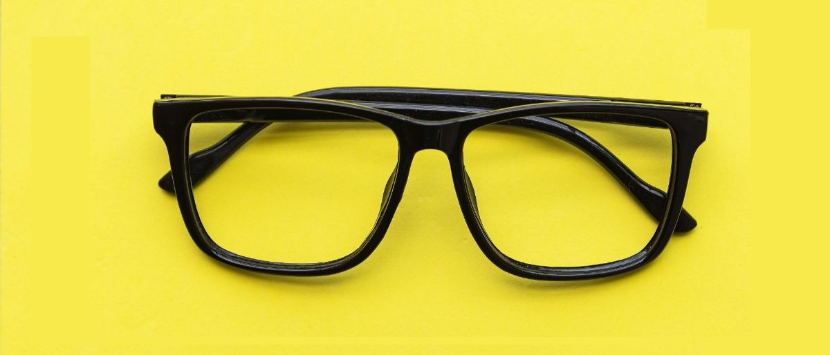 glasses Shutterstock/tonkid