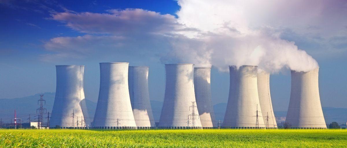 nuclear power plant Shutterstock/TTstudio
