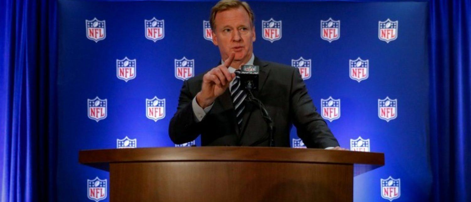 FILE PHOTO: NFL commissioner Roger Goodell speaks during a news conference following the NFL owners autumn meeting in New York City, U.S., October 18, 2017. REUTERS/Brendan McDermid/File Photo