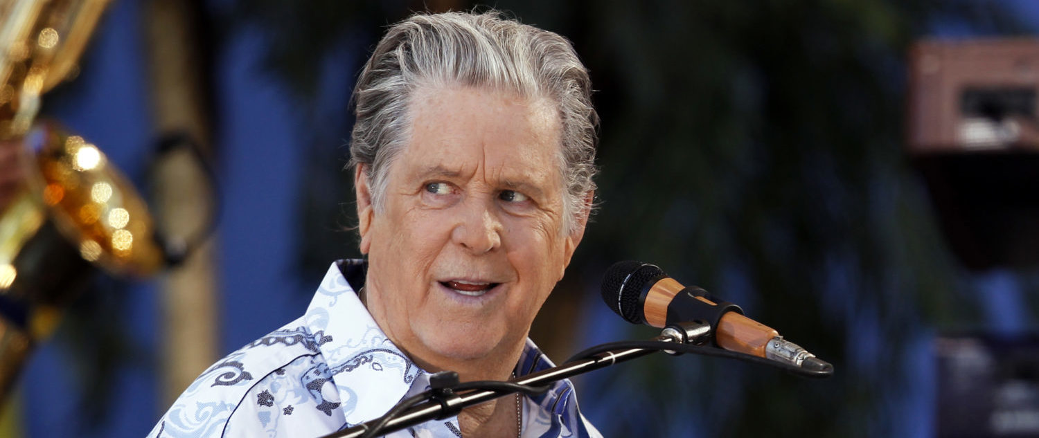 Brian Wilson performs with the Beach Boys on ABC's Good Morning America in New York's Central Park June 15, 2012. REUTERS/Lucas Jackson