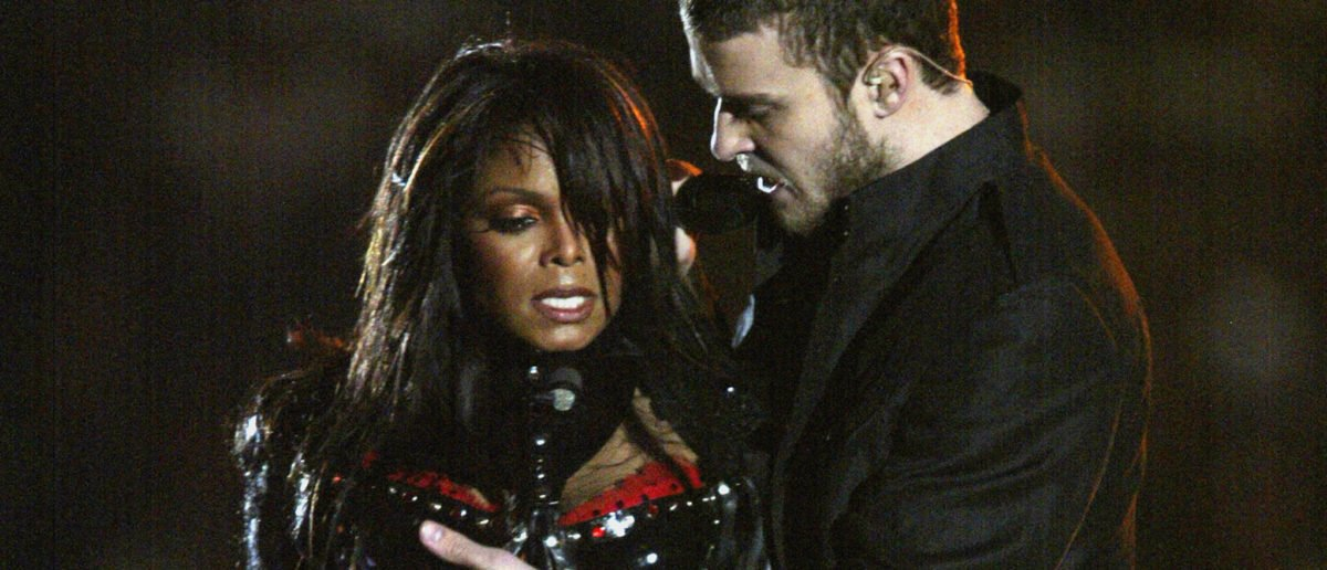 HOUSTON, TX - FEBRUARY 1: Singers Janet Jackson and Justin Timberlake perform during the halftime show at Super Bowl XXXVIII between the New England Patriots and the Carolina Panthers at Reliant Stadium on February 1, 2004 in Houston, Texas. (Photo by Donald Miralle/Getty Images) The Patriots won 32-29 to claim their second Super Bowl in three years. (Photo by Donald Miralle/Getty Images)