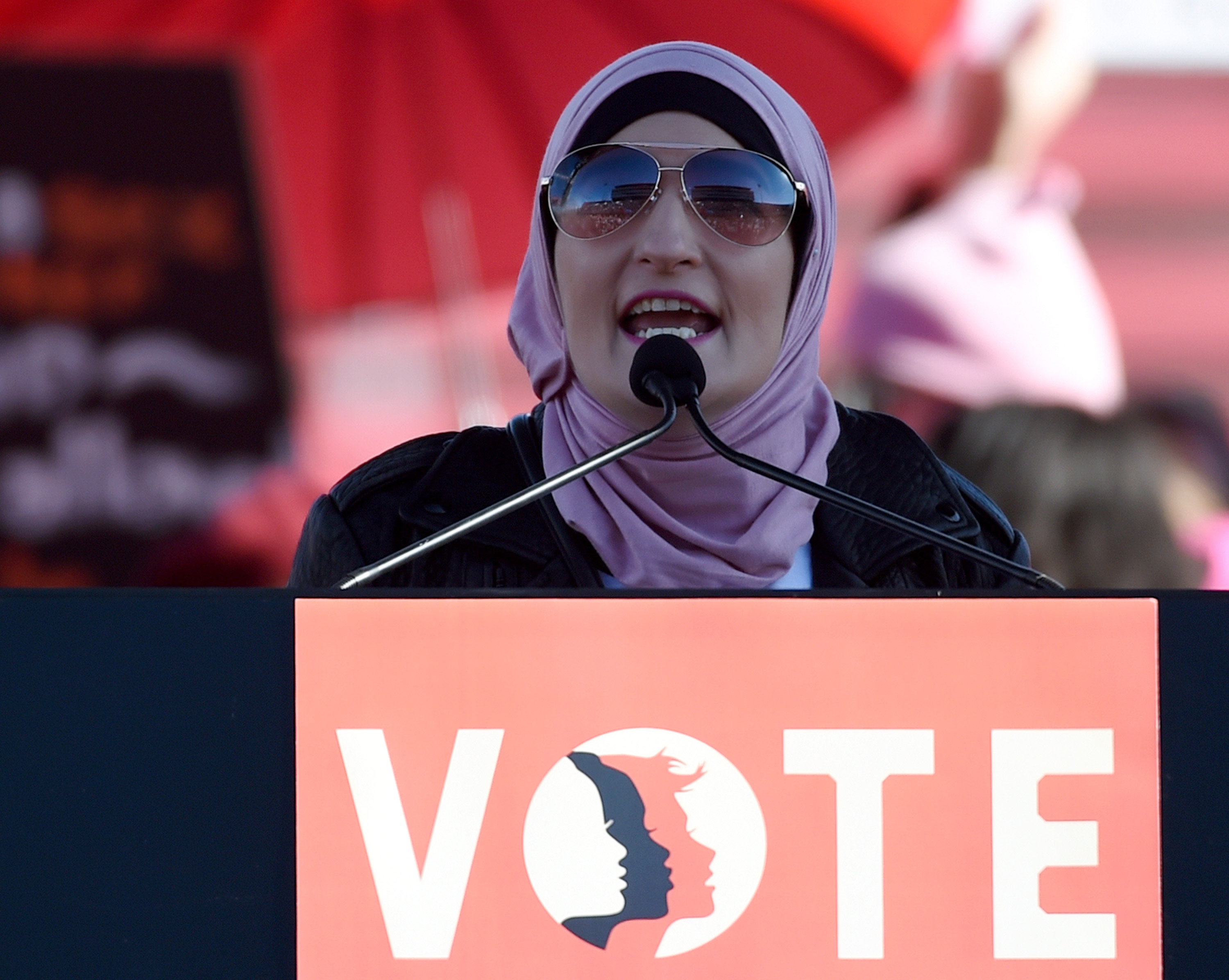 Linda Sarsour Attacks Chuck Schumer For Being A White Man | The Daily Caller