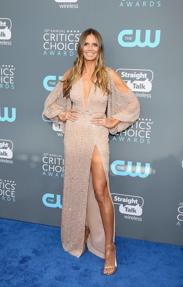 Model Heidi Klum arrives for the 23rd annual Critics' Choice Awards at the Barker Hangar on January 11, 2018, in Santa Monica, California. / AFP PHOTO / JEAN-BAPTISTE LACROIX (Photo credit should read JEAN-BAPTISTE LACROIX/AFP/Getty Images)
