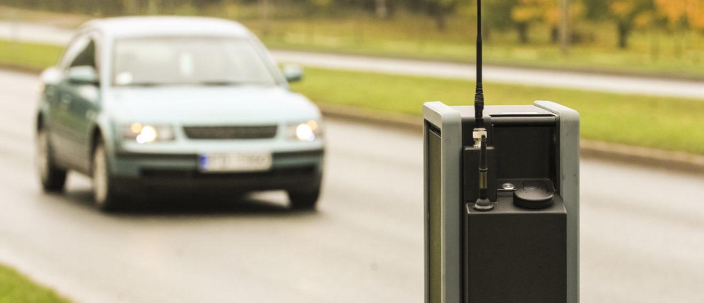 Camera scanning license plates for law enforcement. [Shutterstock - StockPhotosLV]