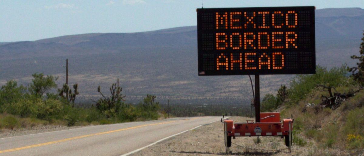 Mexico border Shutterstock/glandryjr