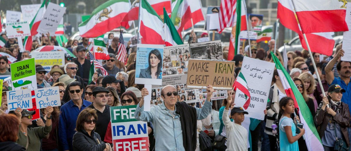Thousands of people rally in support of Iranian anti-government protests in Los Angeles, California U.S. January 7, 2018. REUTERS/Monica Almeida - RC19166B5000