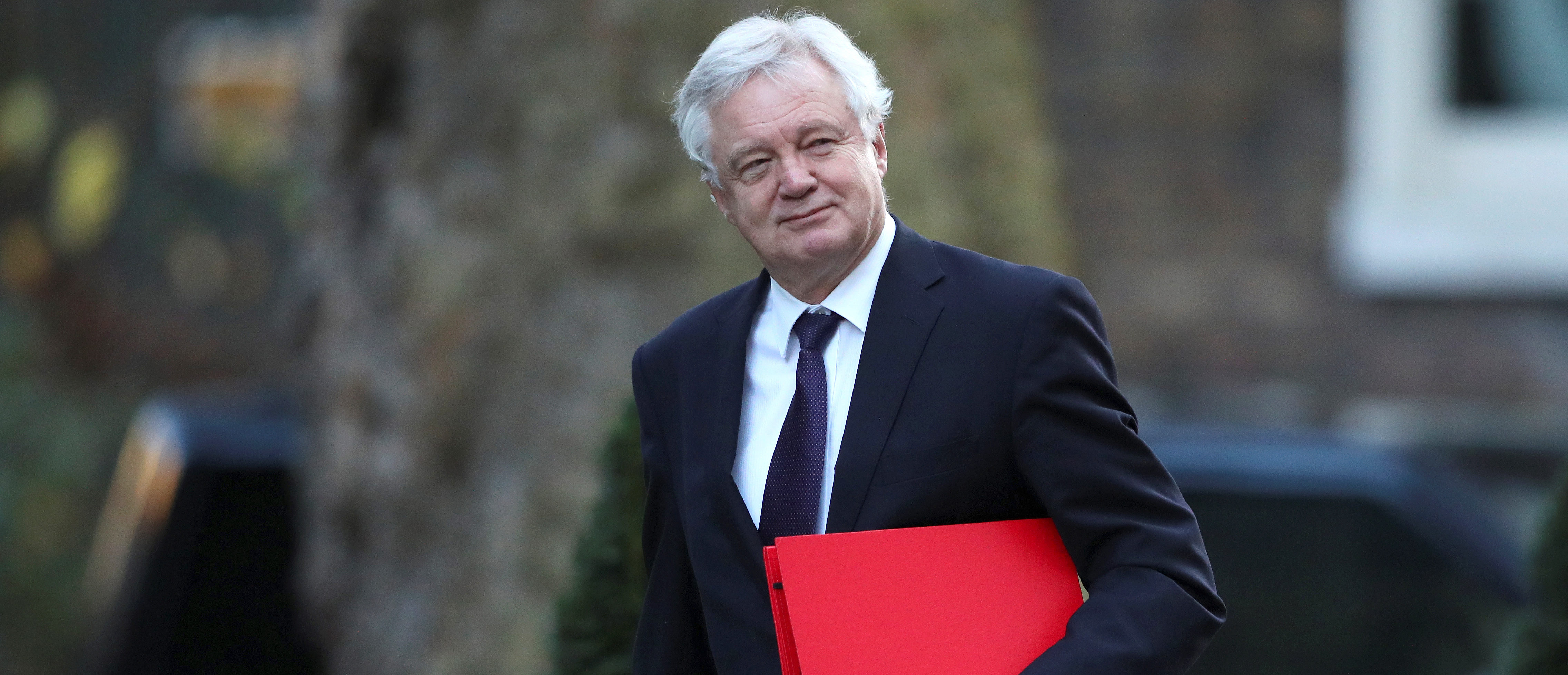 Britain's Secretary of State for Exiting the European Union David Davis arrives in Downing Street in London, January 16, 2018. REUTERS/Hannah McKay - RC1F0BE11B80