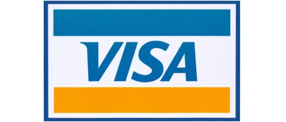 Visa card Shutterstock/tanuha2001
