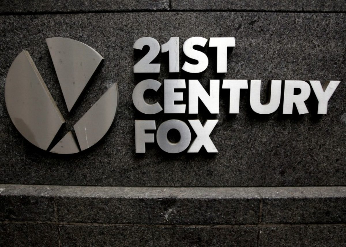 FILE PHOTO: The 21st Century Fox logo is seen outside the News Corporation headquarters in Manhattan, New York, U.S. on April 29, 2016.  REUTERS/Brendan McDermid