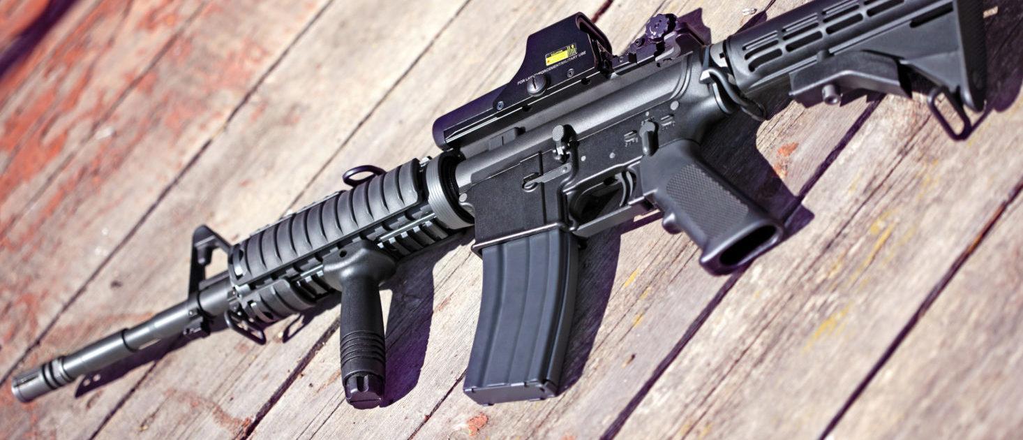 AR-15 (Shutterstock/ Anatoly Vartanov)