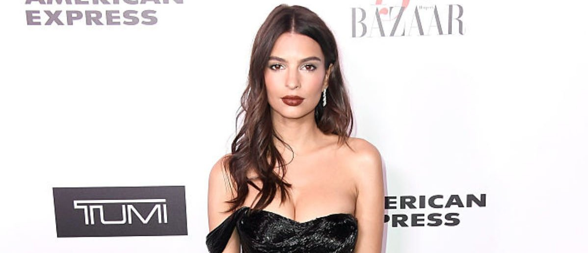 WEST HOLLYWOOD, CA - JANUARY 27: Emily Ratajkowski attends Harper's BAZAAR celebration of the 150 Most Fashionable Women presented by TUMI in partnership with American Express, La Perla and Hearts On Fire at Sunset Tower Hotel on January 27, 2017 in West Hollywood, California. (Photo by Frazer Harrison/Getty Images)