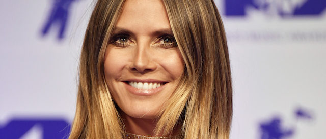 Heidi Klum attends the 2017 MTV Video Music Awards at The Forum on August 27, 2017 in Inglewood, California. (Photo by Frazer Harrison/Getty Images)