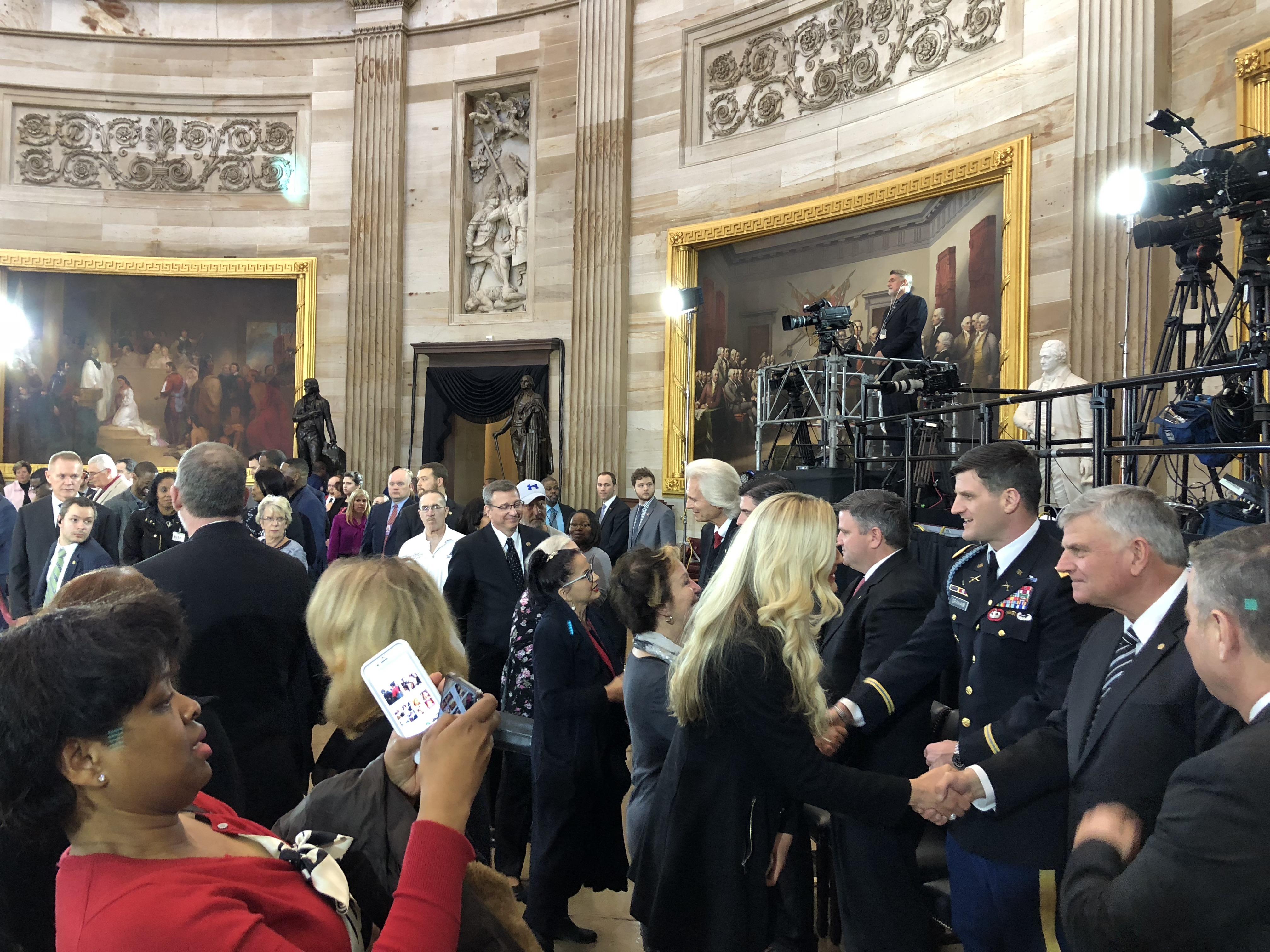 President Trump, Congressional leadership speak at service honoring Rev. Billy Graham