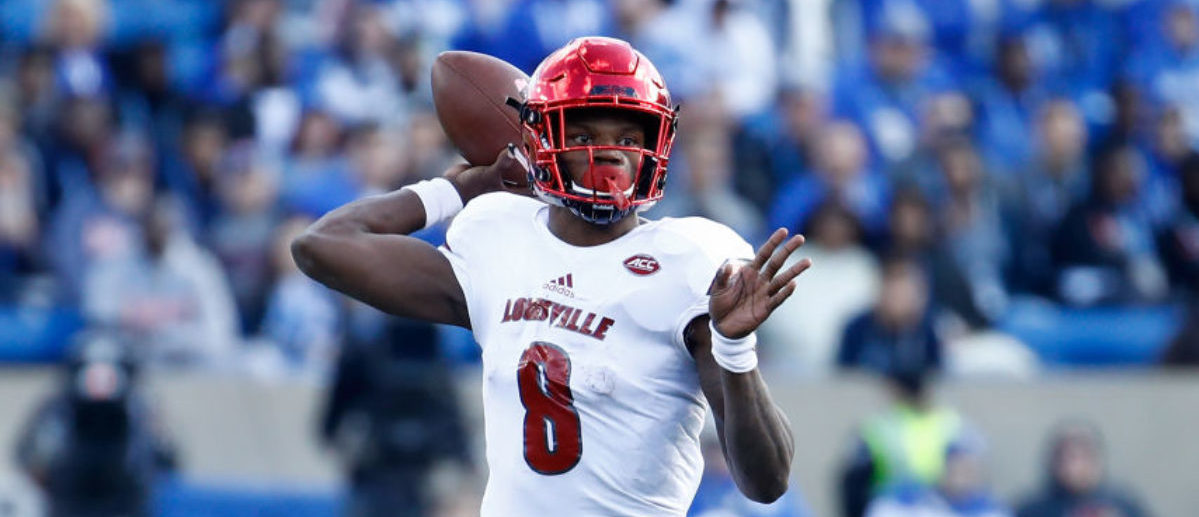LEXINGTON, KY - NOVEMBER 25: Lamar Jackson #8 of the Louisville Cardinals throws a pass against the Kentucky Wildcats during the game at Commonwealth Stadium on November 25, 2017 in Lexington, Kentucky. (Photo by Andy Lyons/Getty Images)