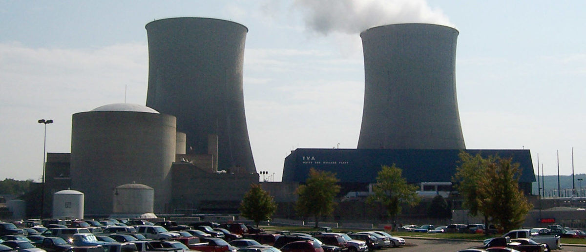 Steam rises from a cooling tower on September 7, 2007 at the Tennessee Valley Authority's Watts Bar Nuclear Plant in Spring City, Tennessee, 50 miles south of Knoxville. Watts Bar Unit One was the last new nuclear plant to come on line in the United States when it switched on one of its two planned reactors in 1996. TVA, the nation's largest public utility, mothballed construction on the second unit in 1985 due to safety concerns.  To match feature USA-NUCLEAR/BUILDING. Picture taken September 7, 2007.   REUTERS/Chris Baltimore