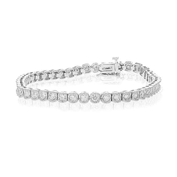 Normally $2,850, this 14k white gold diamond bracelet is 68 percent off today (Photo via Amazon)