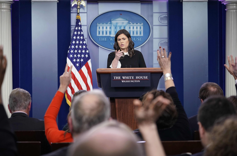 Sarah Sanders Takes A Shot At NBC's Peter Alexander For ...