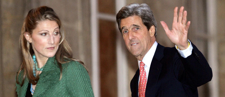 John Kerry waves as he escorts his daughter Vanessa. (Reuters/John Schultz)