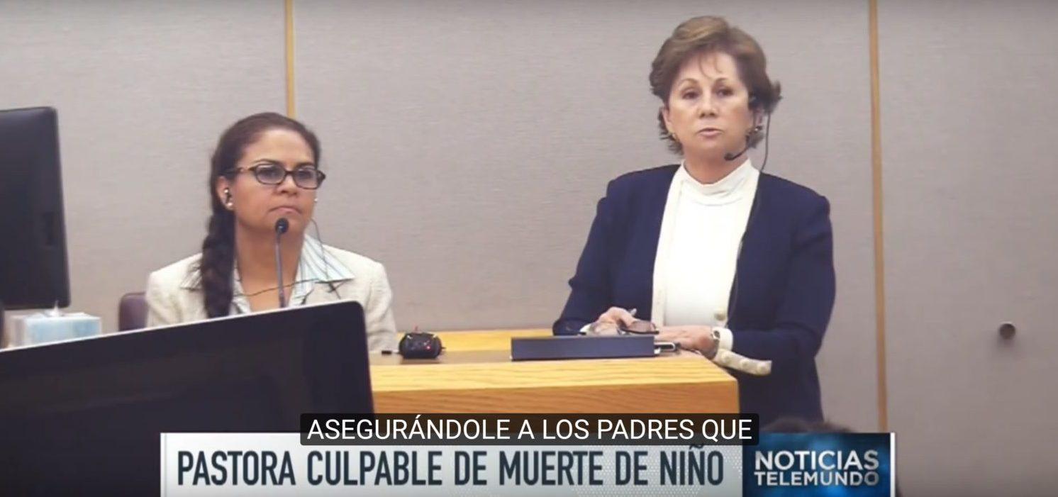 Aracely Meza is seated) in court. (Photo: Youtube screenshot/ Noticias Telemundo)