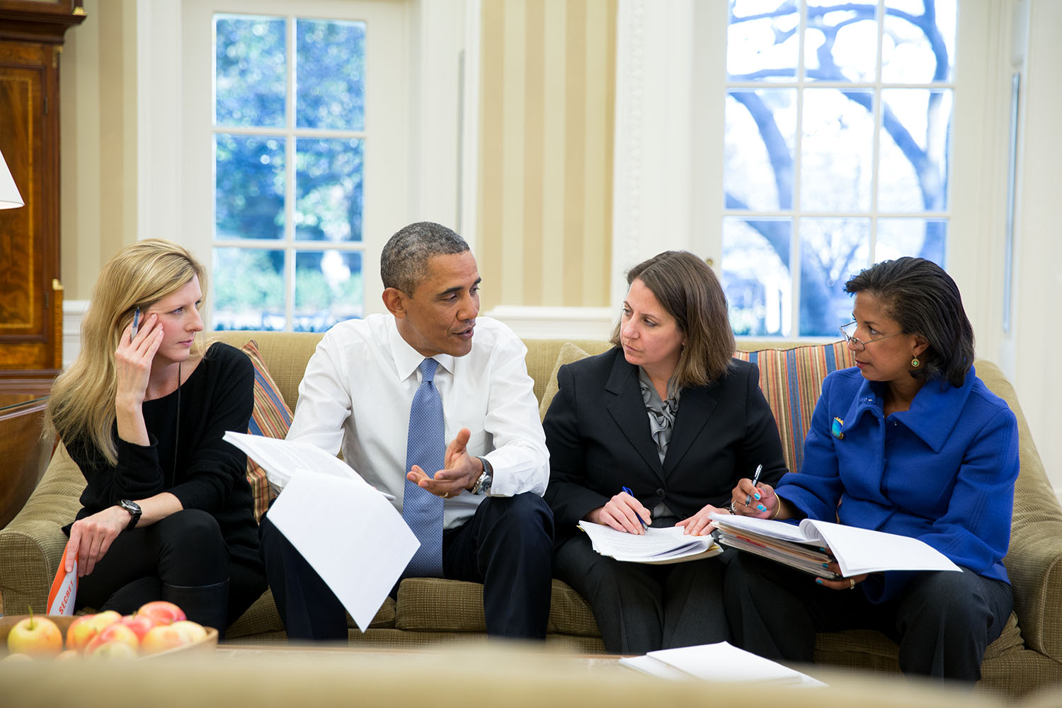 Obama and advisers Official White House Photo by Pete Souza full size