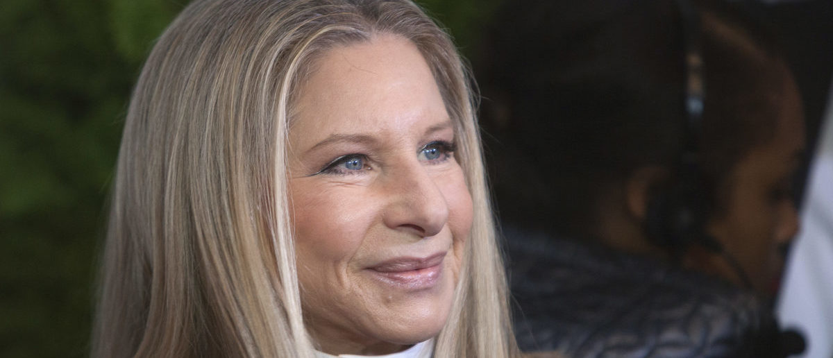 "Singer Barbra Streisand arrives for Glamour Magazine's ""Women Of The Year"" event in New York, November 11, 2013. REUTERS/Carlo Allegri (UNITED STATES"