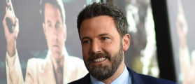 "Actor Ben Affleck arrives for the world premiere of Warner Bros. ""Live By Night,"" January 9, 2017 at the TCL Chinese Theater in Hollywood, California. / AFP / Robyn Beck (Photo credit should read ROBYN BECK/AFP/Getty Images)"
