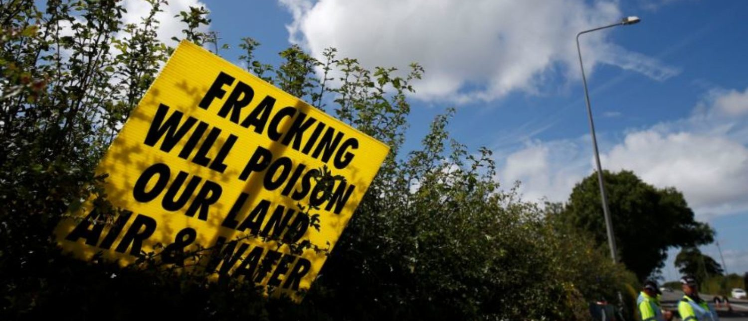 An anti-fracking sign is seen outside Cuadrilla's Preston New Road fracking site near Blackpool, Britain, 31 July, 2017. REUTERS/Andrew Yates | Anti-Fracker Caught Fudging Data