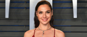 People Are Angry At Gal Gadot For Her Tribute To Stephen Hawking