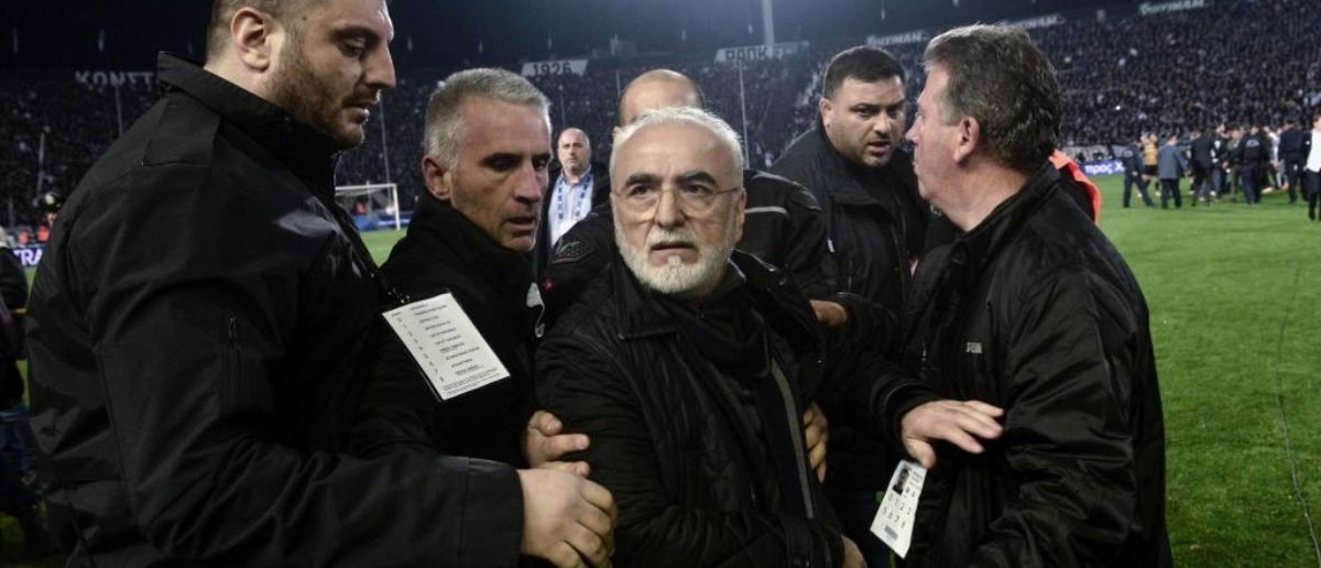 The match between PAOK Thessaloniki and AEK Athens for the Greek Super League at Toumpa stadium has been temporarily stopped after the referee and his assistants were deliberating whether to allow or disallow a  90th minute goal for PAOK.  (Photo credit should read SAKIS MITROLIDIS/AFP/Getty Images)