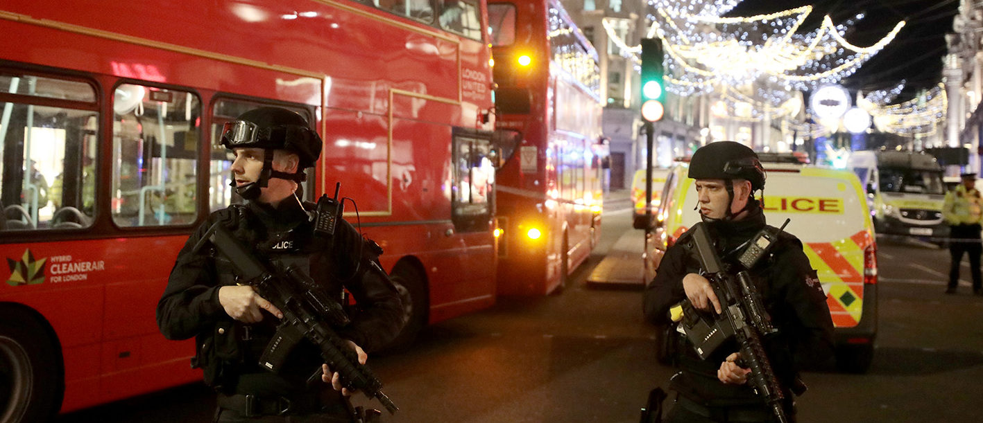 Armed police officersstand on Oxford Street, London, Britain November 24, 2017. REUTERS/Simon Dawson