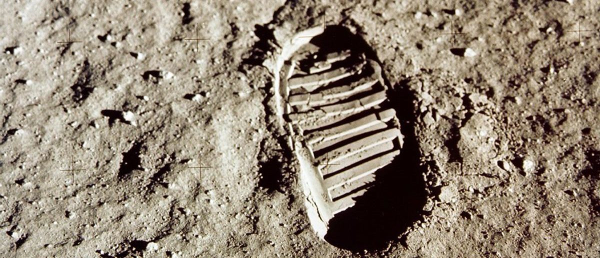 - FILE PHOTO JULY 1969 - Close-up view of an Apollo 11 astronaut's footprint in the lunar soil photographed with a 70mm lunar surface camera during the Apollo 11 extravehicular activity on the moon in this July 1969 file photo. The 30th anniversary of the Apollo 11 mission is July 16 (launch) and July 20 (landing on the moon).