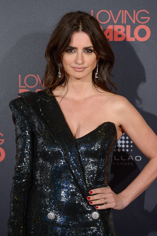 MADRID, SPAIN - MARCH 07: Penelope Cruz attends 'Loving Pablo' Madrid Premiere on March 7, 2018 in Madrid, Spain. (Photo by Carlos Alvarez/Getty Images)