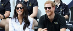 TORONTO, ON - SEPTEMBER 25: Prince Harry (R) and Meghan Markle (L) attend a Wheelchair Tennis match during the Invictus Games 2017 at Nathan Philips Square on September 25, 2017 in Toronto, Canada (Photo by Chris Jackson/Getty Images for the Invictus Games Foundation)