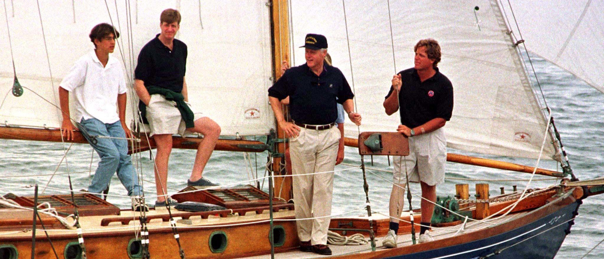 Bill Clinton: Martha's Vineyard in summer (Reuters)