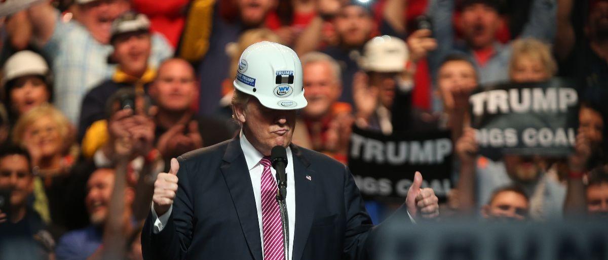Trump hard hat Getty Images/Mark Lyons