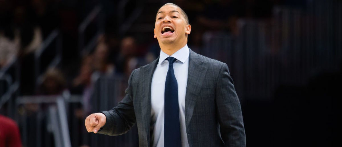 CLEVELAND, OH - NOVEMBER 17: Tyronn Lue of the Cleveland Cavaliers yells to his players during the first half against the LA Clippers at Quicken Loans Arena on November 17, 2017 in Cleveland, Ohio. NOTE TO USER: User expressly acknowledges and agrees that, by downloading and/or using this photograph, user is consenting to the terms and conditions of the Getty Images License Agreement. (Photo by Jason Miller/Getty Images)