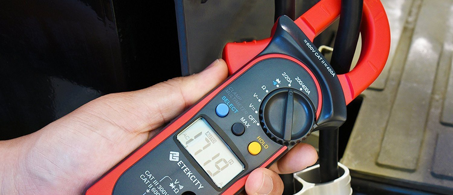 Normally $59, this digital multimeter is 59 percent off (Photo via Amazon)