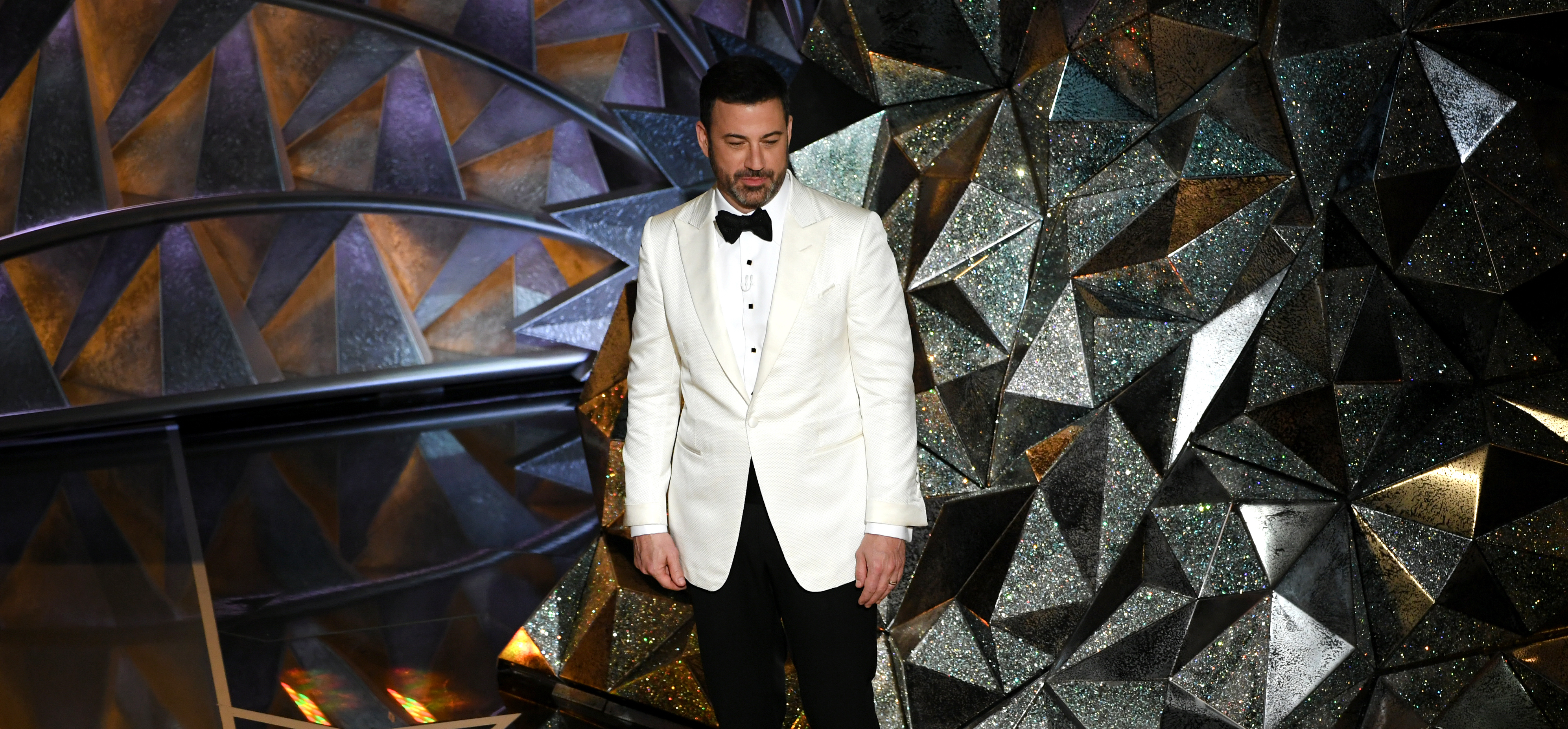 HOLLYWOOD, CA - MARCH 04: Host Jimmy Kimmel says goodnight onstage during the 90th Annual Academy Awards at the Dolby Theatre at Hollywood & Highland Center on March 4, 2018 in Hollywood, California. (Photo by Kevin Winter/Getty Images)