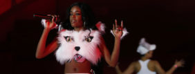 U.S. singer Azealia Banks performs during the opening ceremony of the 21st Life Ball in Vienna May 25, 2013. Life Ball is Europe's largest annual AIDS charity event and takes place in Vienna's city hall. REUTERS/Leonhard Foeger (AUSTRIA - Tags: ENTERTAINMENT POLITICS SOCIETY) - GM1E95Q0K6T01