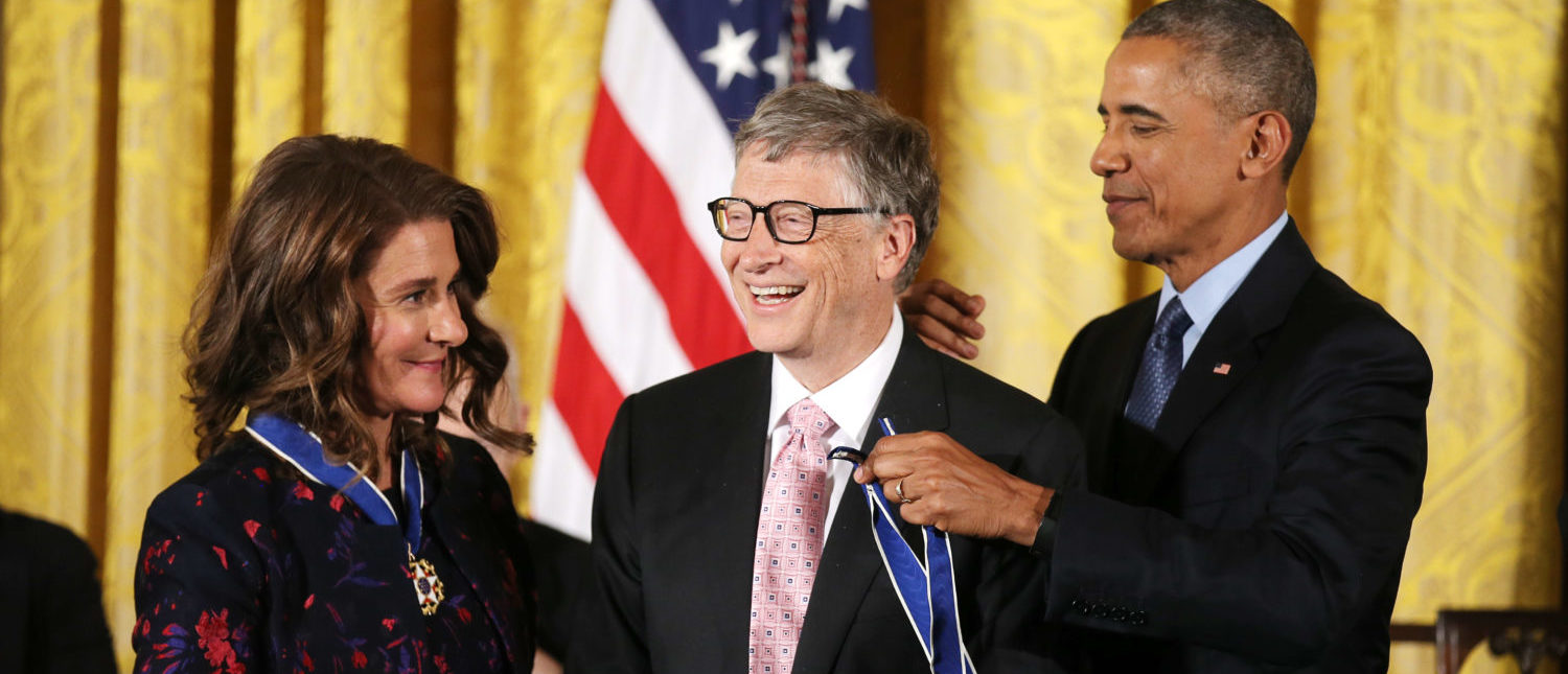 Bill (C) and Melinda (L) Gates receive their Presidential Medals of Freedom from U.S. President Barack Obama (R) in the East Room of the White House in Washington, U.S., November 22, 2016. REUTERS/Carlos Barria | Gates: Trump Asked About Science Adviser