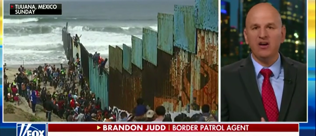 Border Patrol Agent Says Illegal Immigrants' Have No Regard For America's Laws And It's Backfiring On Democrats - Fox & friends 4-30-18